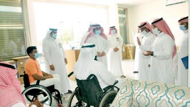 Photo of محافظ القريات يزور جمعية الخدمات الصحيه بالقريات