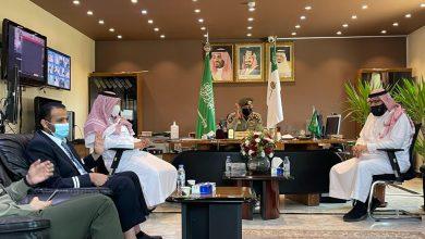Photo of مدير جوازات الجوف يجتمع مع مدير الخطوط السعودية بمنطقتي الجوف والحدود الشمالية