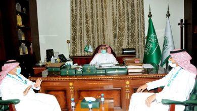 Photo of محافظ القريات يلتقي مدير بنك التنميه الجديد